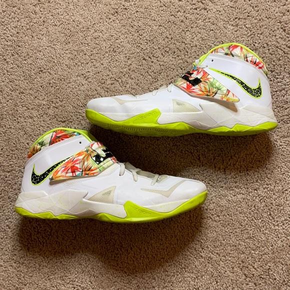 Lebron Nike Zoom 7